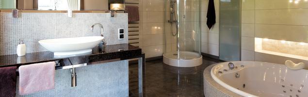 Ekskluzywna łazienka z jacuzzi – jak urządzić elegancką i estetyczną łazienkę?